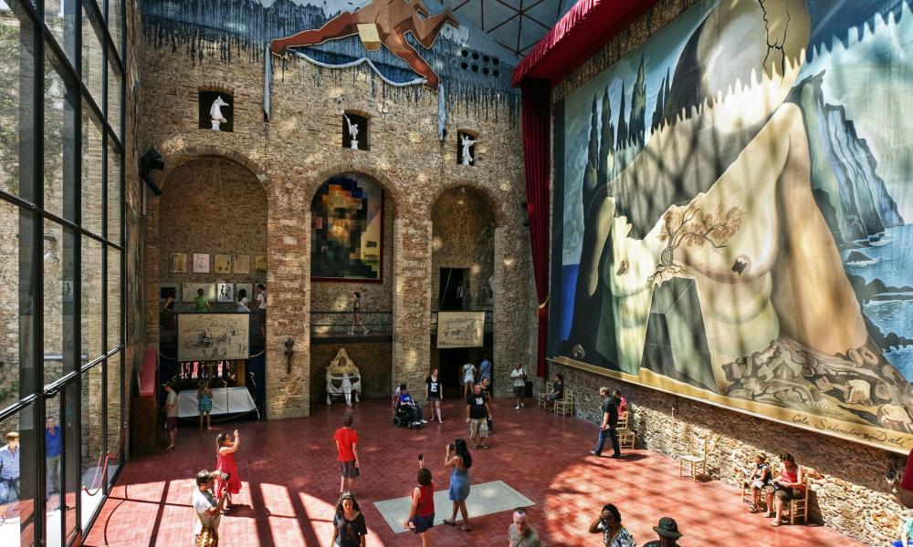 Fabulous Admirez Une Remarquable Collection Duoeuvres Du Plus Surraliste  Des Peintres Dans Son Muse Dali Inaugur En With Perpignan Valence