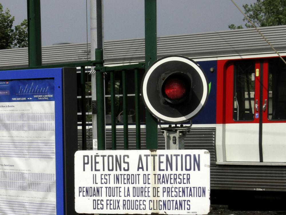 """Résultat de recherche d'images pour """"danger SNCF"""""""